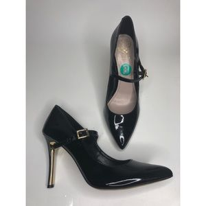 Vince Camuto Black Patent Leather Heels - size 8